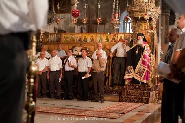 Momentos previos al inicio de la misa según el rito ortodoxo
