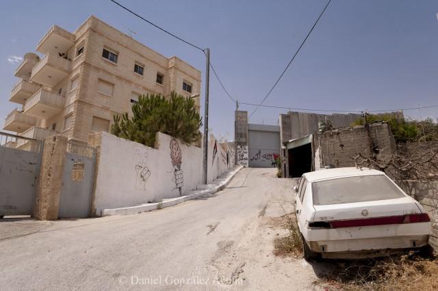 Casas de la Custodia lindando con el muro israelí en Betania